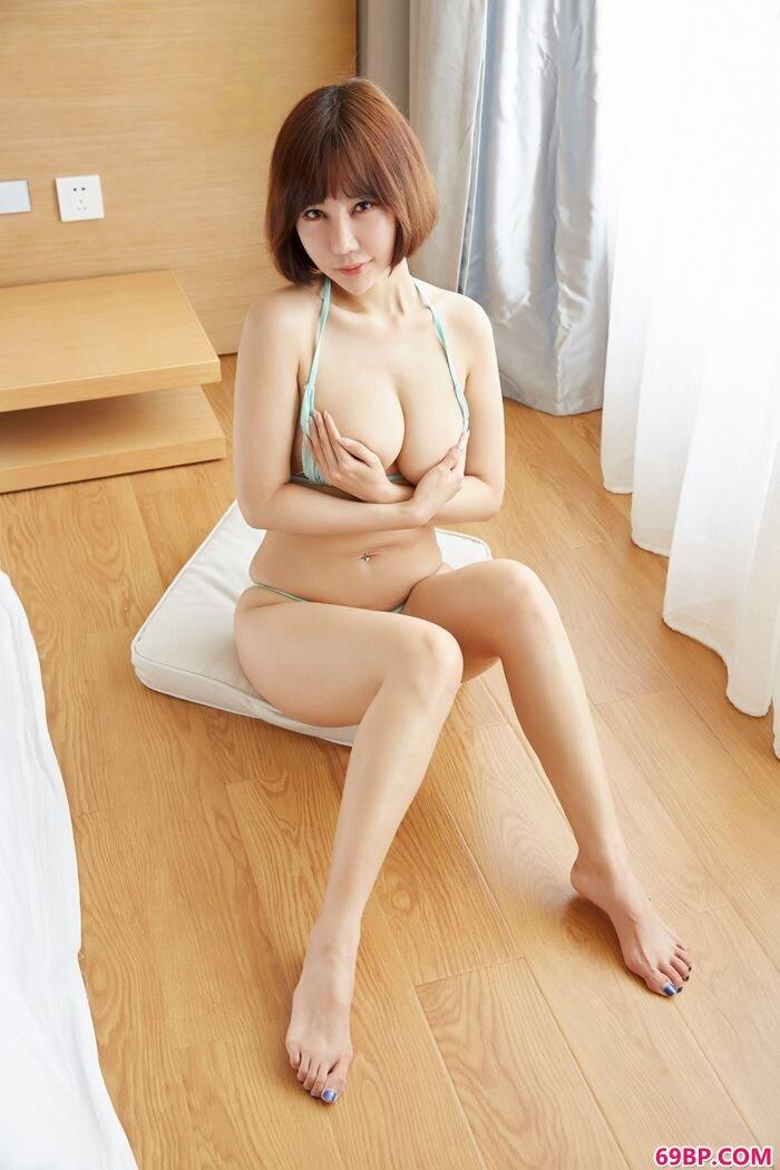 豪放美美妇李梦婷紧身裤裤让人喷血_360搜索gogo人体