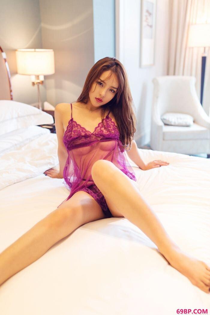 紫衣美人珍妮花透明薄纱美胸隐约可见_日本老熟妇撤尿