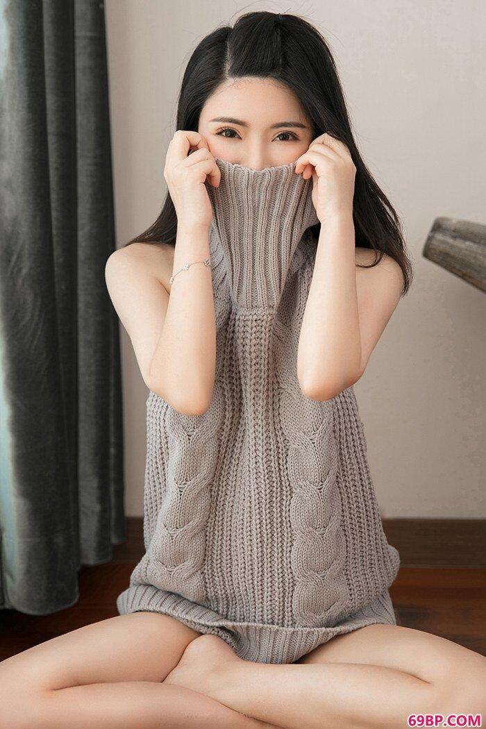黑丝学生妹陈曦制服诱惑妙不可言