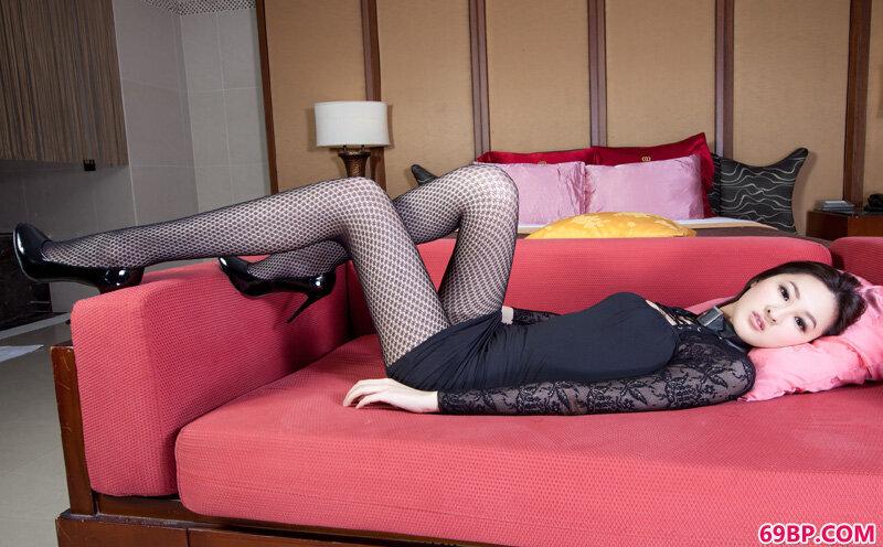 美腿美模第329期Lilian_学生在宾馆啪啪害羞
