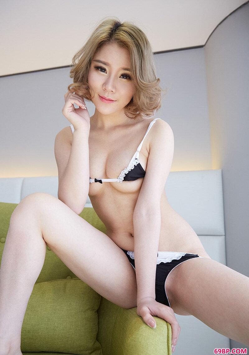 妙龄美人爱丽莎风骚内裤酥胸媚惑_日本大肥婆