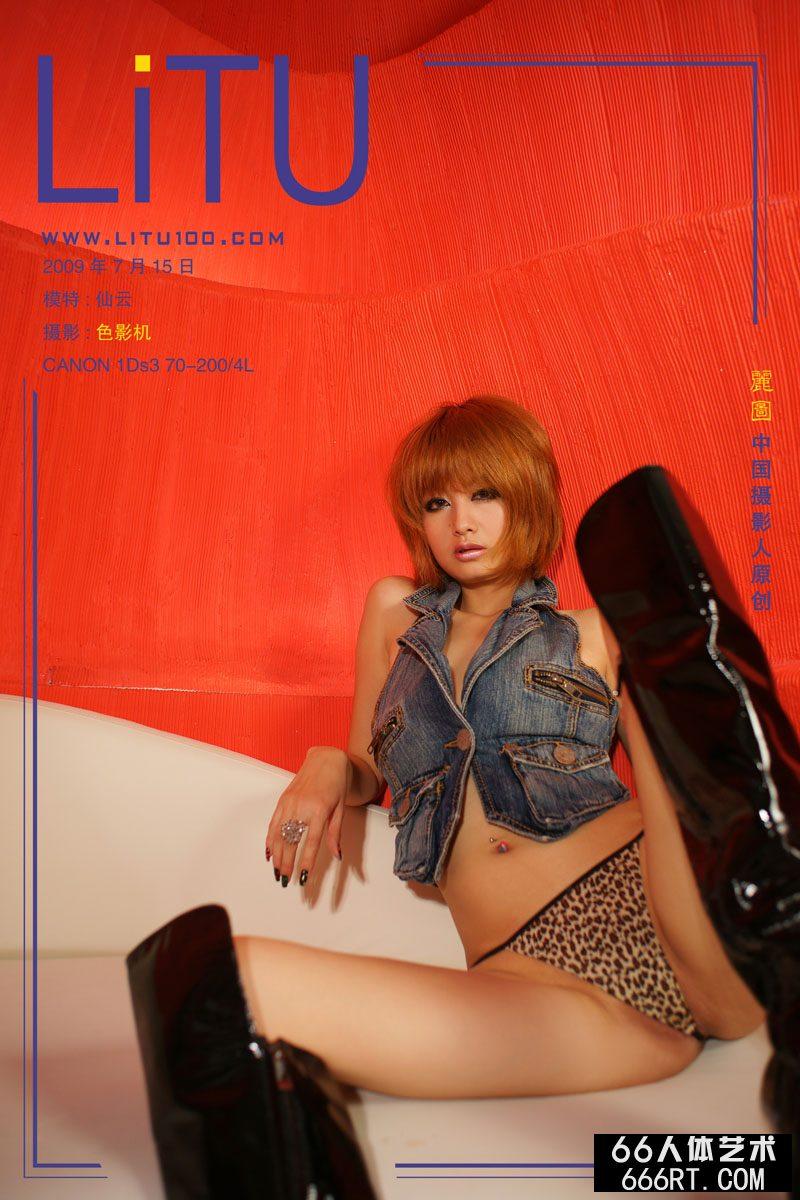 美模yumi09年7月15日红房子棚拍