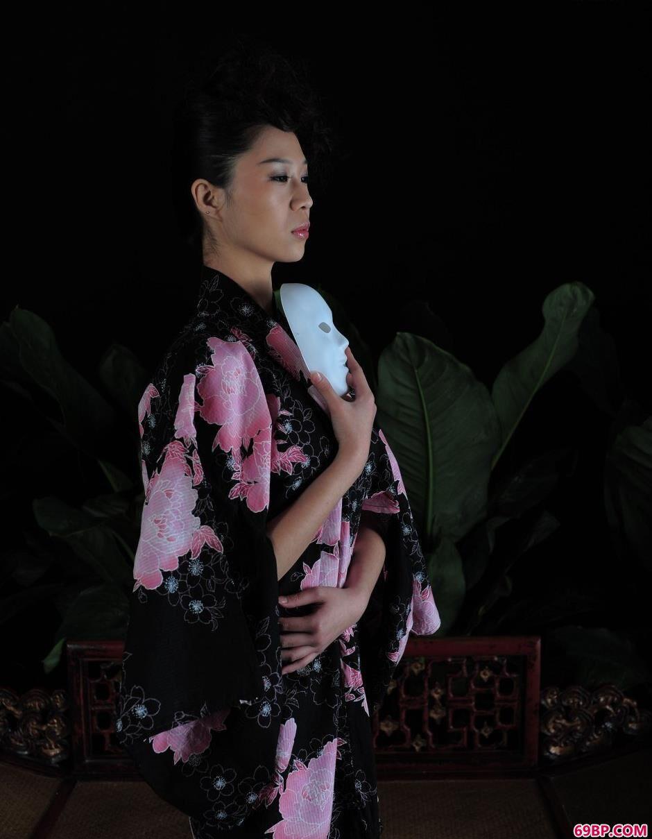 超模林夕室拍和服美体