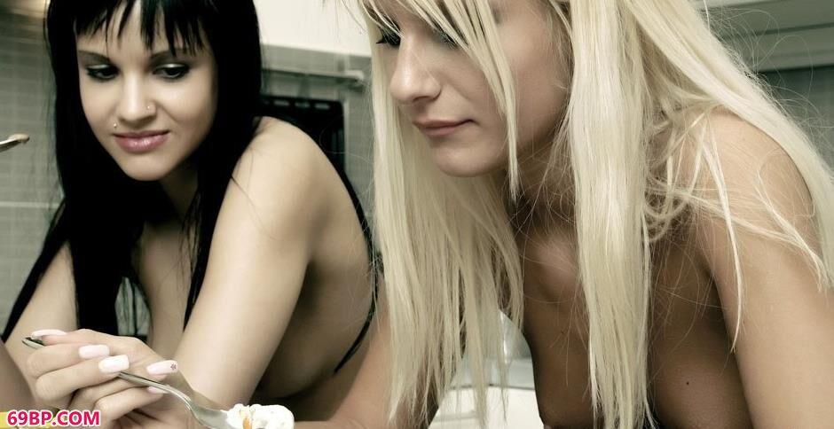 美模SHIVA和JORDAN拍人体吃雪糕_xixi西西