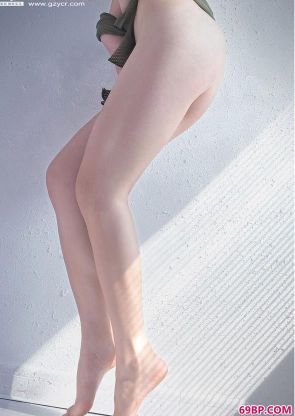 筱雨人体艺术_厂房里的靓模--尼卡
