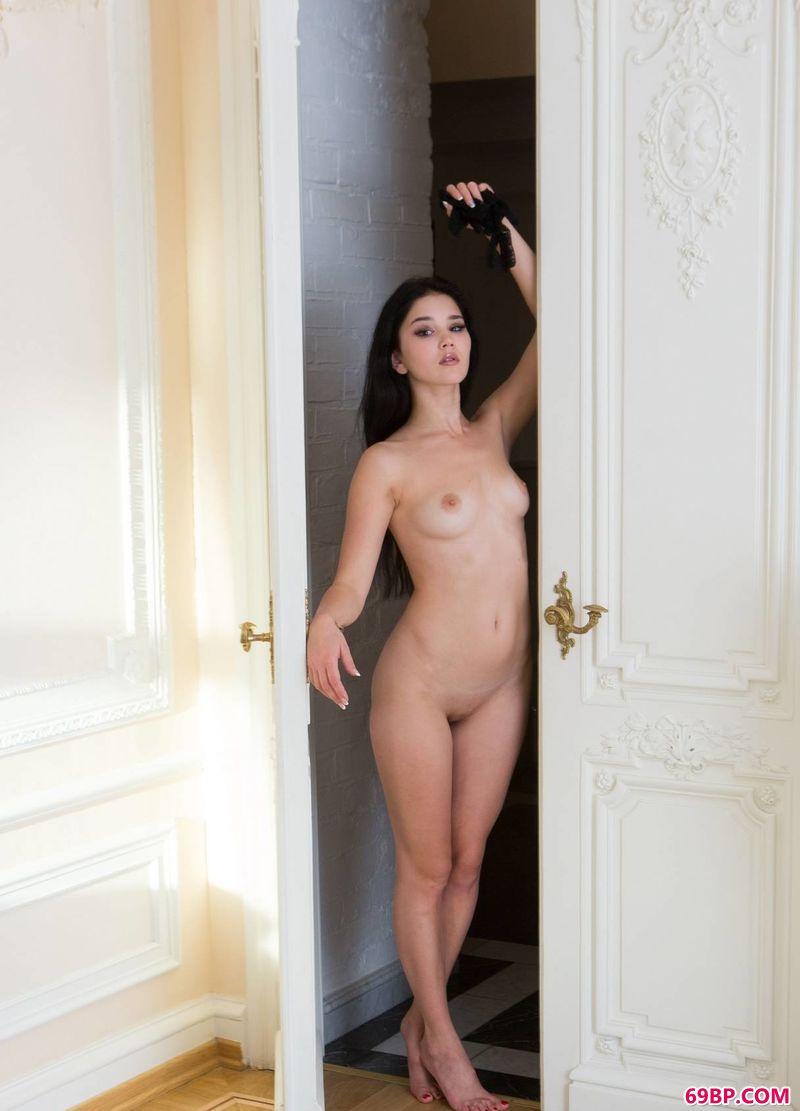 gogo全球美女私拍私处_贵气逼人的Malena